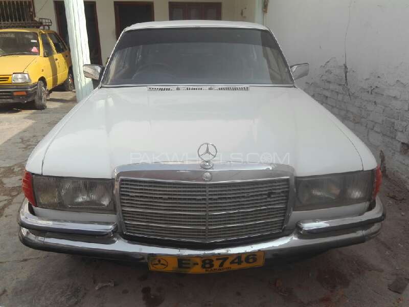Mercedes Benz S Class S280 1977 Image-1