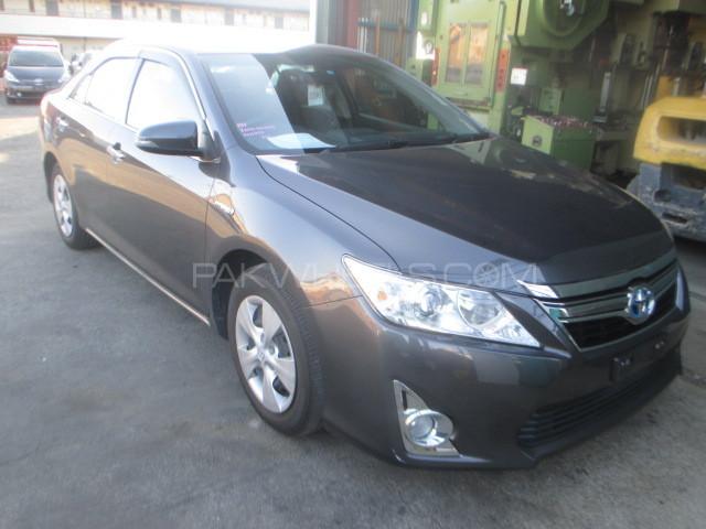 Toyota Camry Hybrid 2013 Image-1
