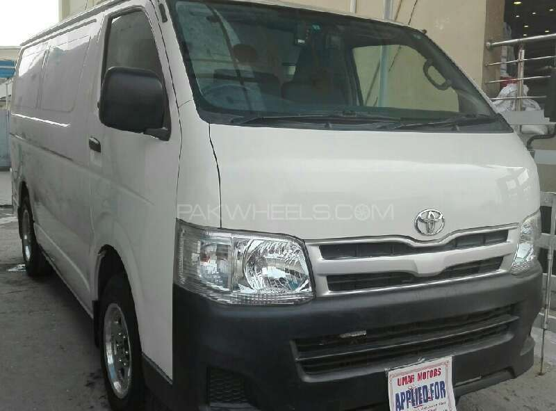 Toyota Hiace Mid-Roof 2.7 2010 Image-1