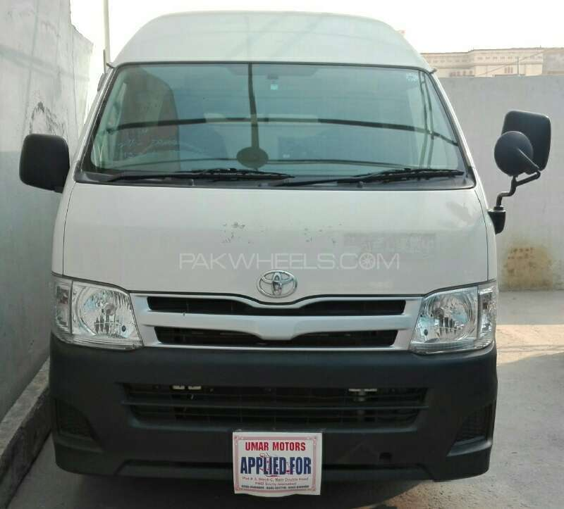 Toyota Hiace High-Roof 3.0 2010 Image-1