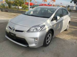 Toyota Prius S 1.8 2013 for Sale in Multan