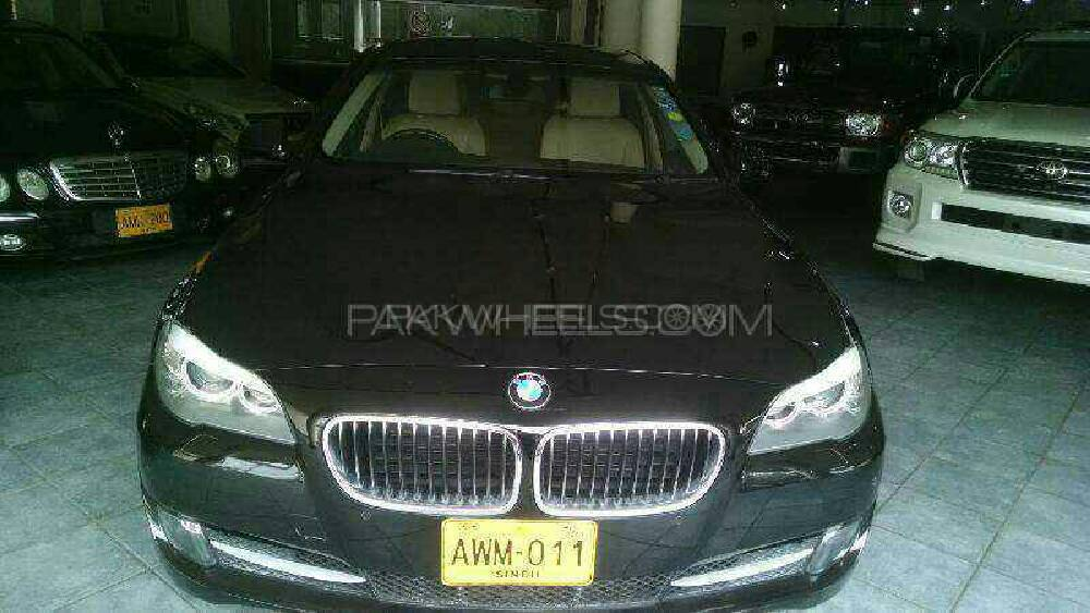 BMW 5 Series 528i 2012 Image-1