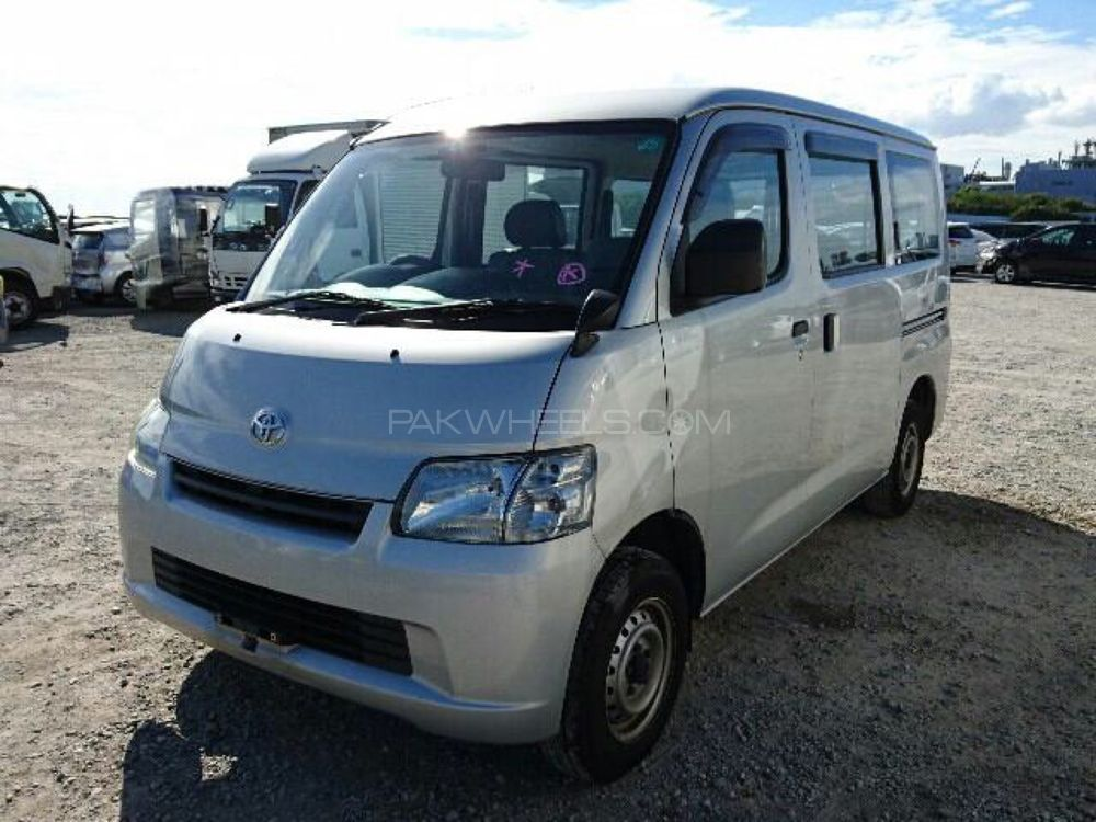Toyota Lite Ace 2011 Image-1