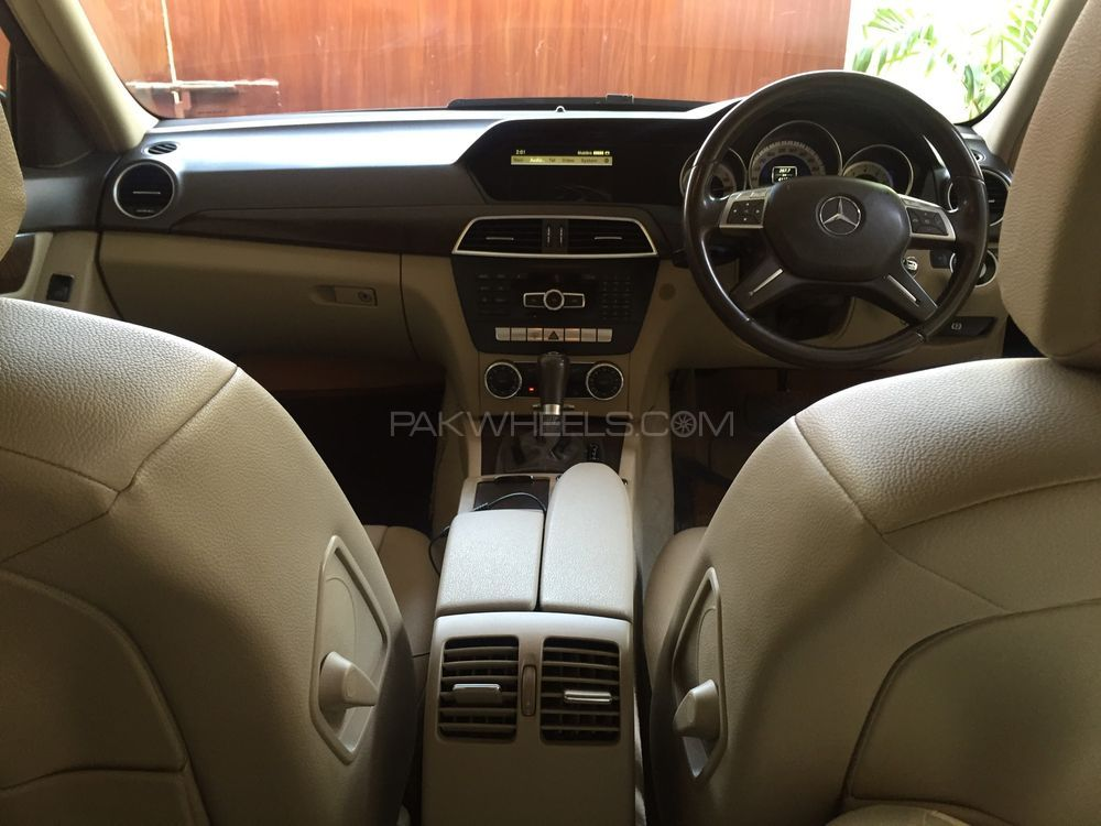 Mercedes Benz C Class 2012 Image-1