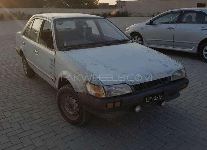 Mazda 323 1986 Image-1