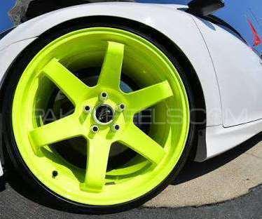 Gloss florecent green dip paint Image-1