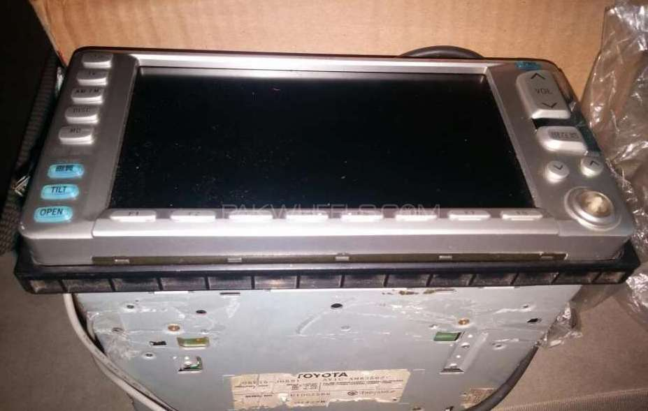 Toyota crown orignal lcd DvD Mp3 player Image-1