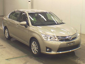 Toyota Corolla Axio Hybrid 1.5 2013 for Sale in Faisalabad