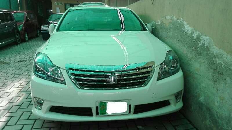 Toyota Crown Royal Saloon 2011 Image-1