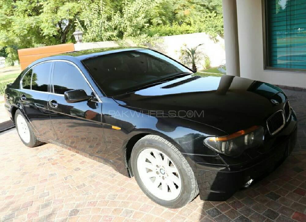 BMW 7 Series 735i 2003 Image-1
