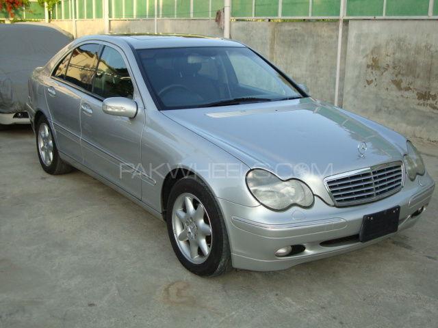Mercedes Benz C Class 2002 Image-1