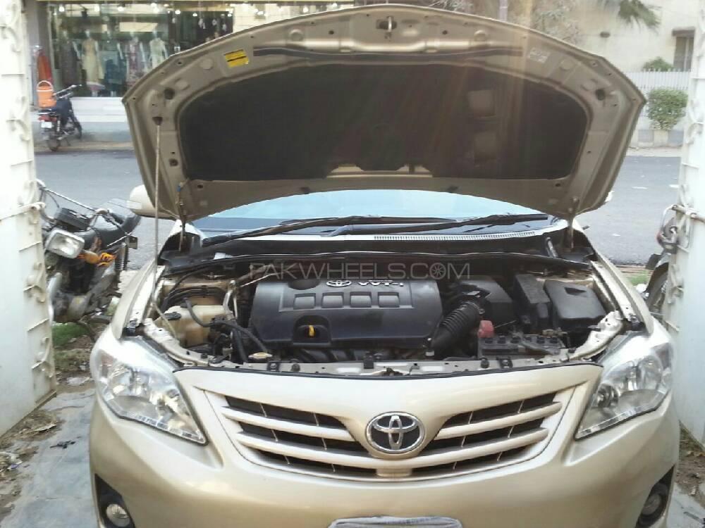 Toyota Corolla Altis SR Cruisetronic 1.6 2011 Image-1