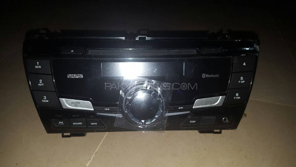 Toyota Original Gli Cd player with Bluetooth  Image-1