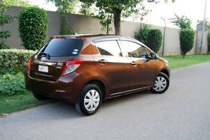 Toyota Vitz Jewela 1.0 2012 for Sale in Islamabad