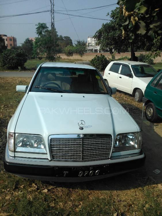 Mercedes Benz 200 T 1993 Image-1