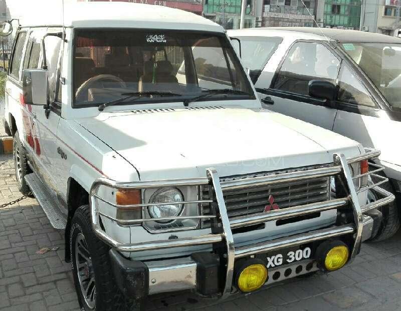 Mitsubishi Pajero Exceed 2.5D 1986 Image-1