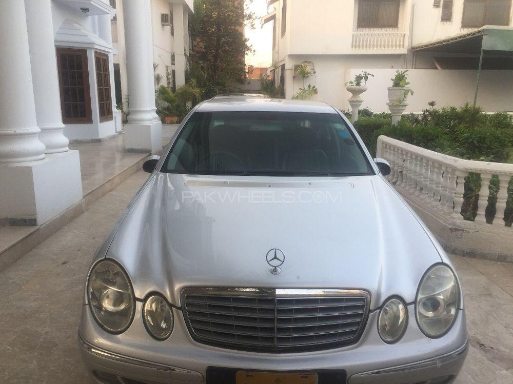 Mercedes Benz E Series 2005 Image-1