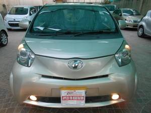 Toyota iQ 100X 2 Seater 2010 for Sale in Lahore