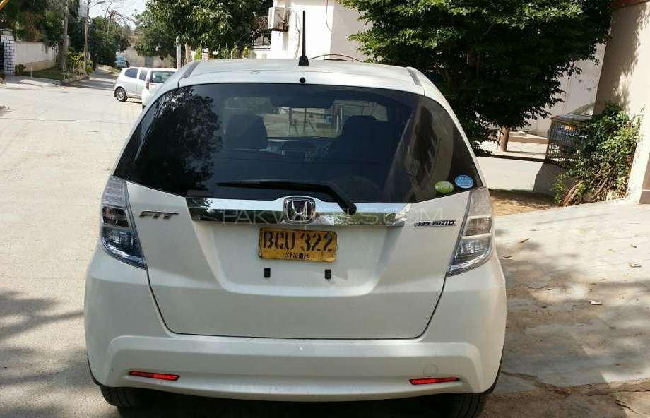Honda Fit 1.3 Hybrid Base Grade 2011 Image-1