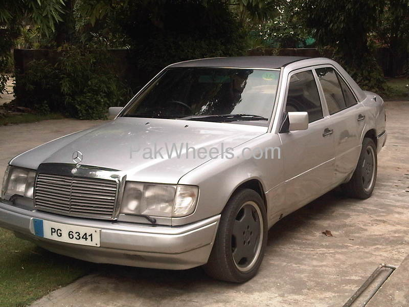 Used mercedes benz e class e250 1993 car for sale in for Used mercedes benz e class for sale