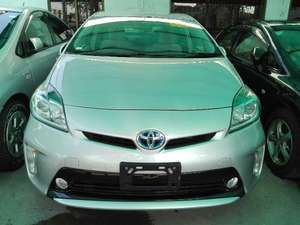 Toyota Prius 2013 for Sale in Lahore