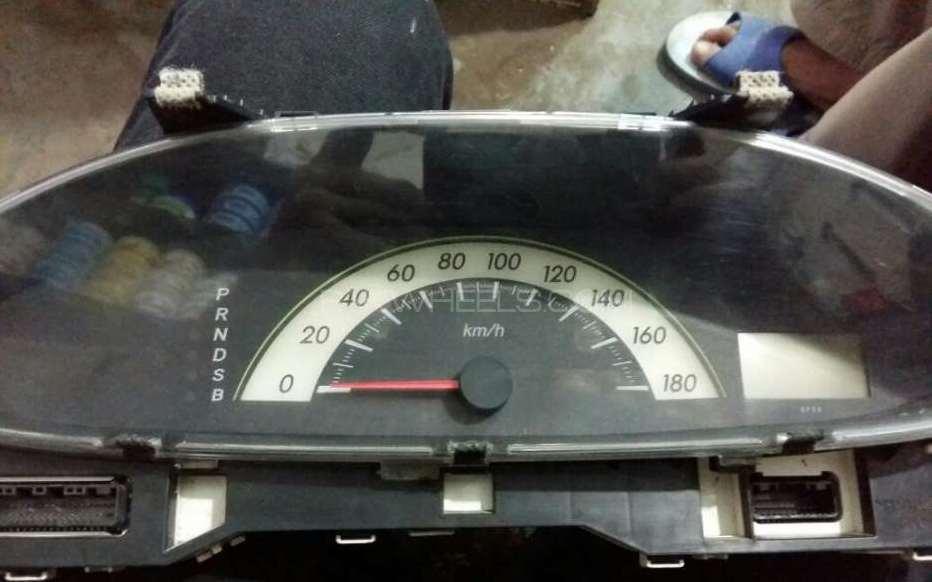 Toyota belta genuine speedometer new conditon Image-1
