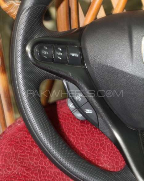 Honda FitReborn city Bluethooth and multimedia steering Image-1