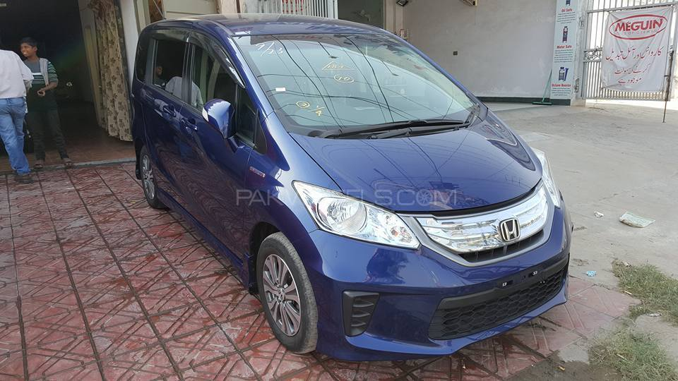 Honda Freed G 2011 Image-1