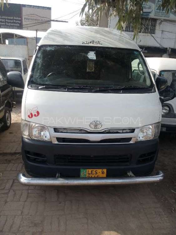 Toyota Hiace 2010 Image-1