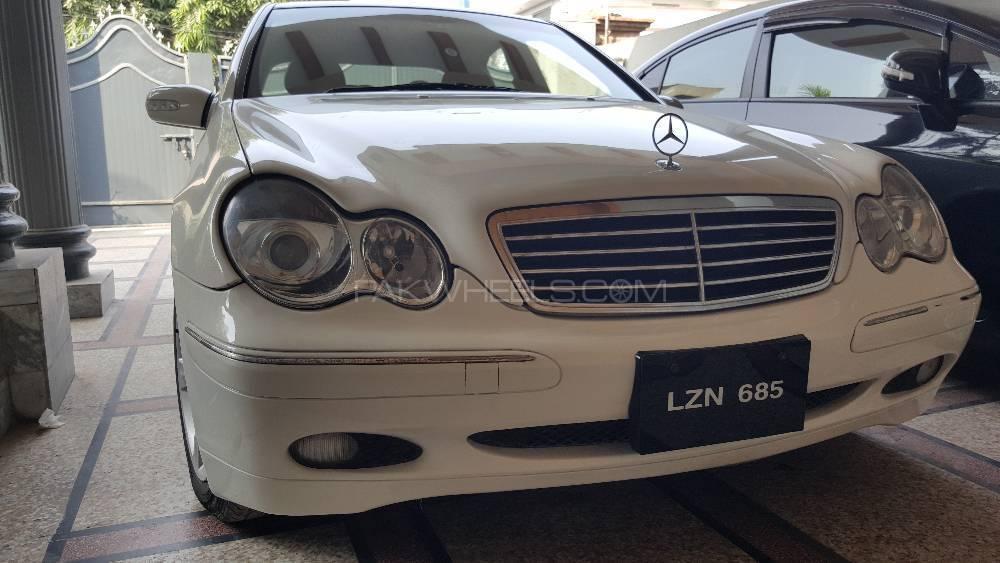 Mercedes Benz C Class Coupe C200 2002 Image-1