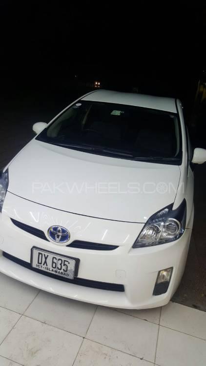 Toyota Prius G 1.8 2011 Image-1