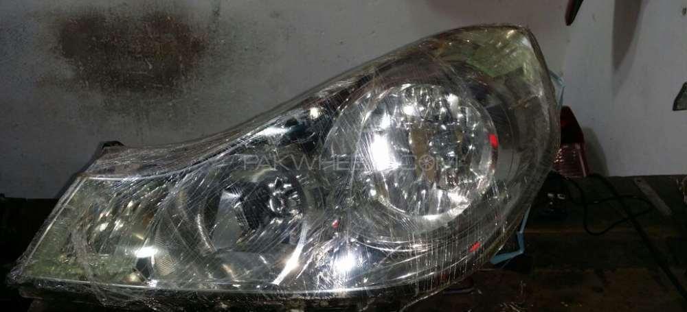 Nissan wingroad head light Image-1