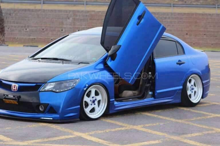 S B C universal vertical lambo door kit available all cars. Image-1