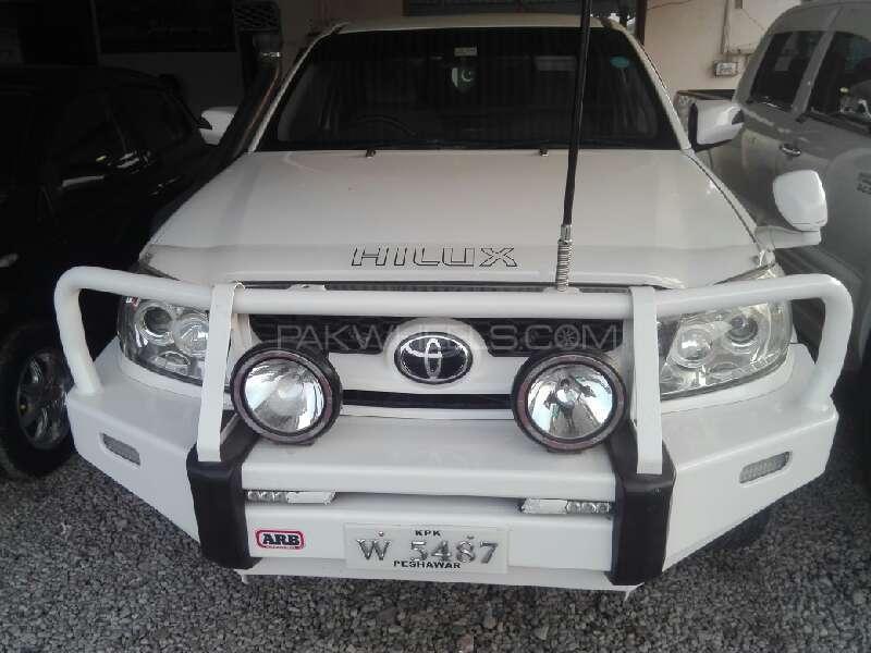 Toyota Hilux Vigo V 2008 Image-1