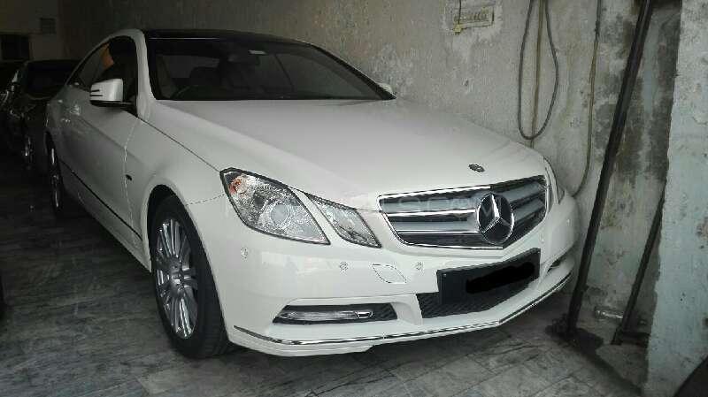 Mercedes Benz E Class Coupe E 200 2012 Image-1