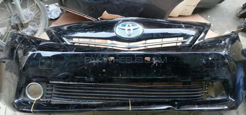 Toyota prius alpha bumper Image-1