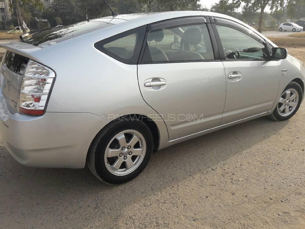 Toyota Prius G 1.5 2009 Image-1