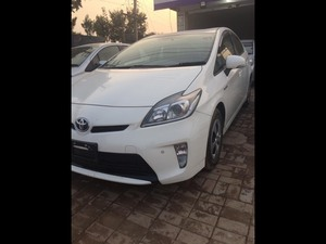 Toyota Prius 2013 for Sale in Gujranwala