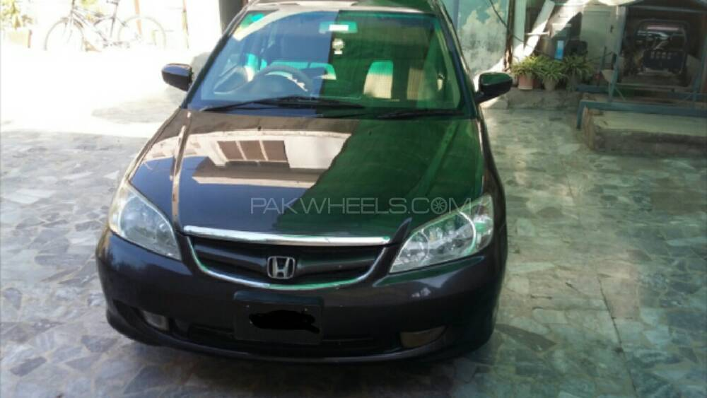 Honda Civic 2004 Image-1