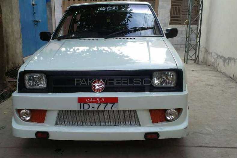 Daihatsu Charade CX 1983 Image-1