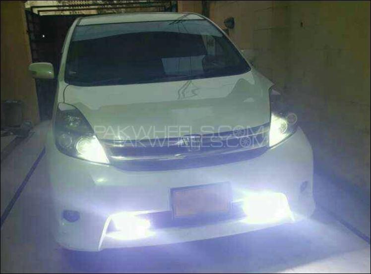 Toyota ISIS Platana 2008 Image-1