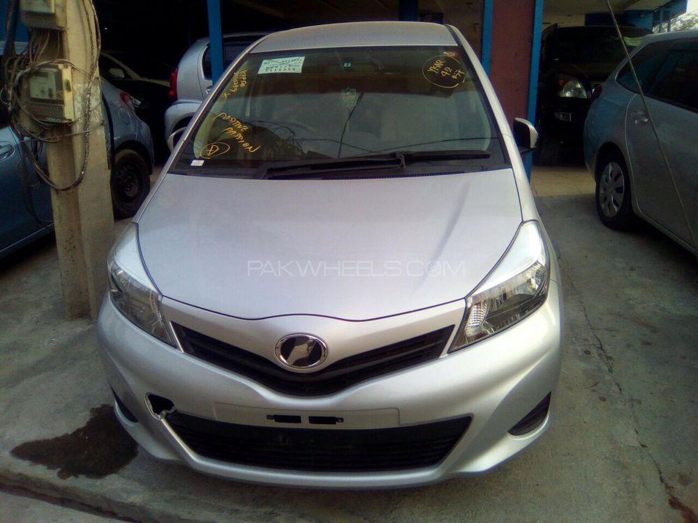 Toyota Vitz F Limited 1.3 2014 Image-1