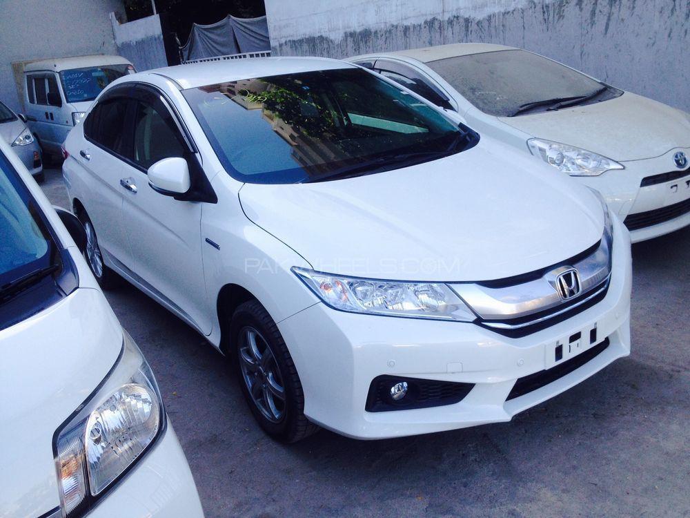 Honda Grace Hybrid DX 2014 Image-1