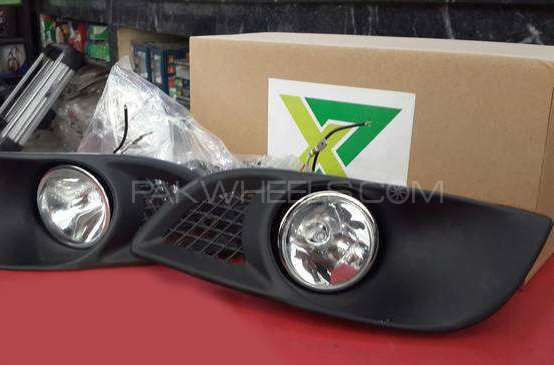 Toyota Vitz Foglamp 2003 Image-1