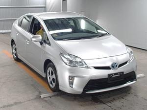 Toyota Prius L 1.8 2013 for Sale in Karachi