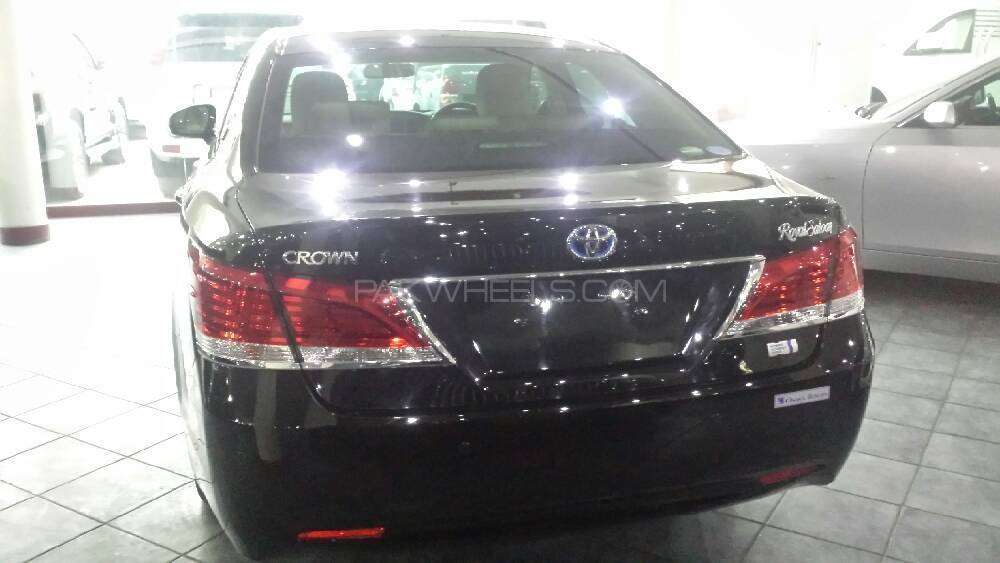 Toyota Crown Used Cars In Karachi