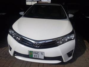 Toyota Corolla Altis Automatic 1.6 2015 for Sale in Multan