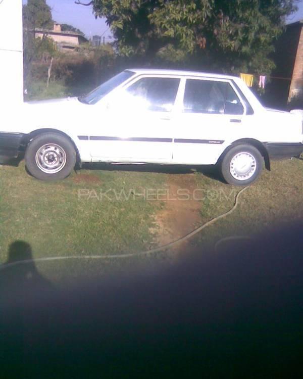 Toyota Corolla 1984 Image-1