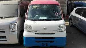 Slide_daihatsu-hijet-van-basegrade-8-2011-14374815
