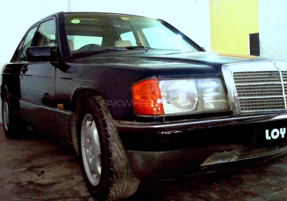 Mercedes Benz E Class E190 1998 Image-1